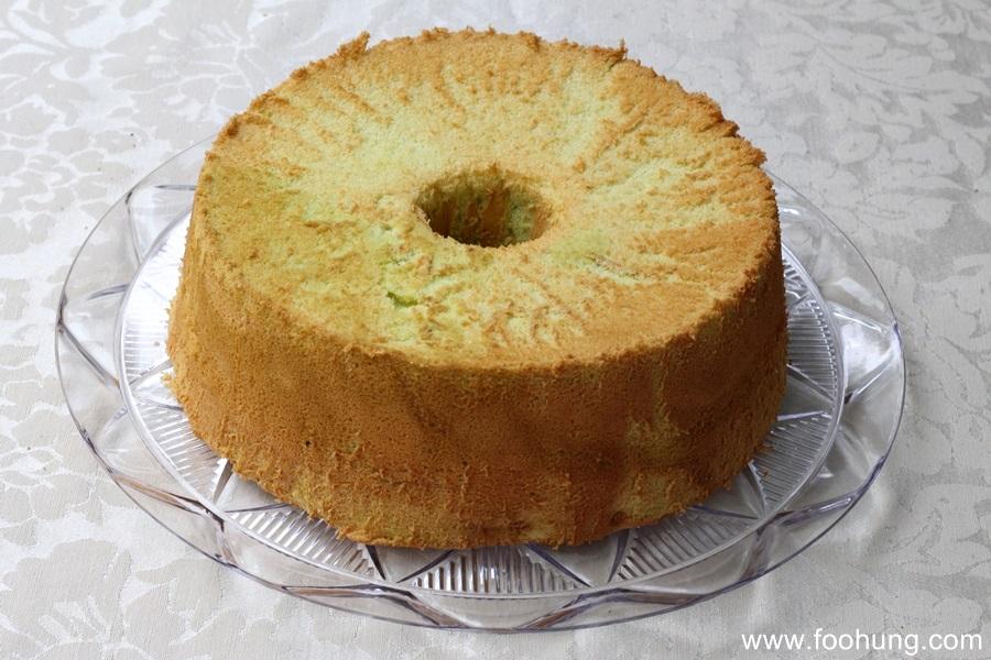Pandan Chiffon Cake 3