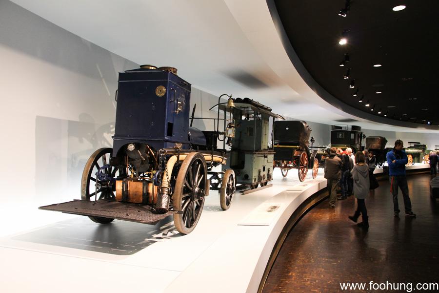 Mercedes-Benz Museum Stuttgart 12