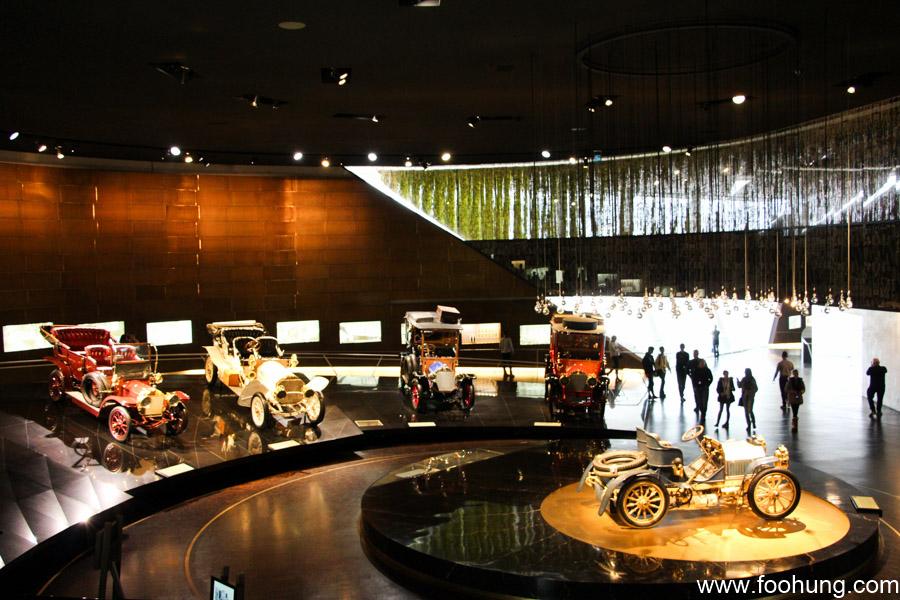 Mercedes-Benz Museum Stuttgart 13