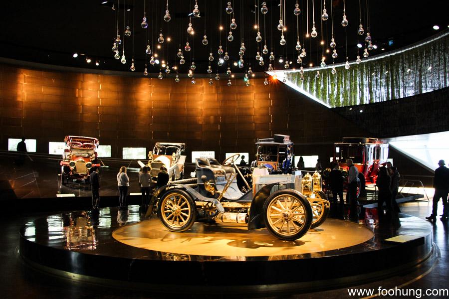 Mercedes-Benz Museum Stuttgart 17
