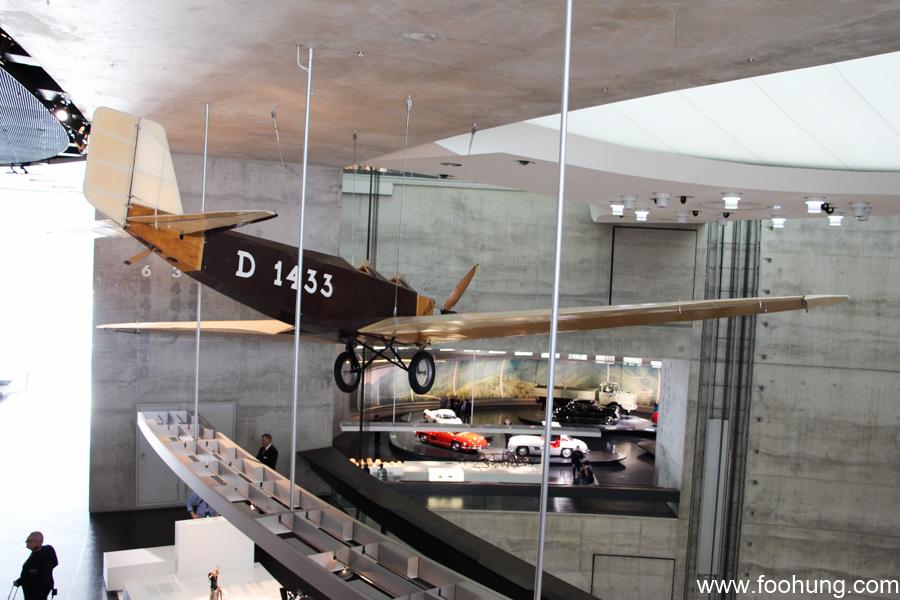 Mercedes-Benz Museum Stuttgart 19