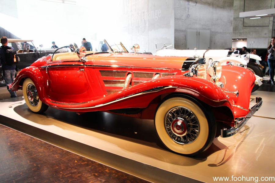 Mercedes-Benz Museum Stuttgart 24