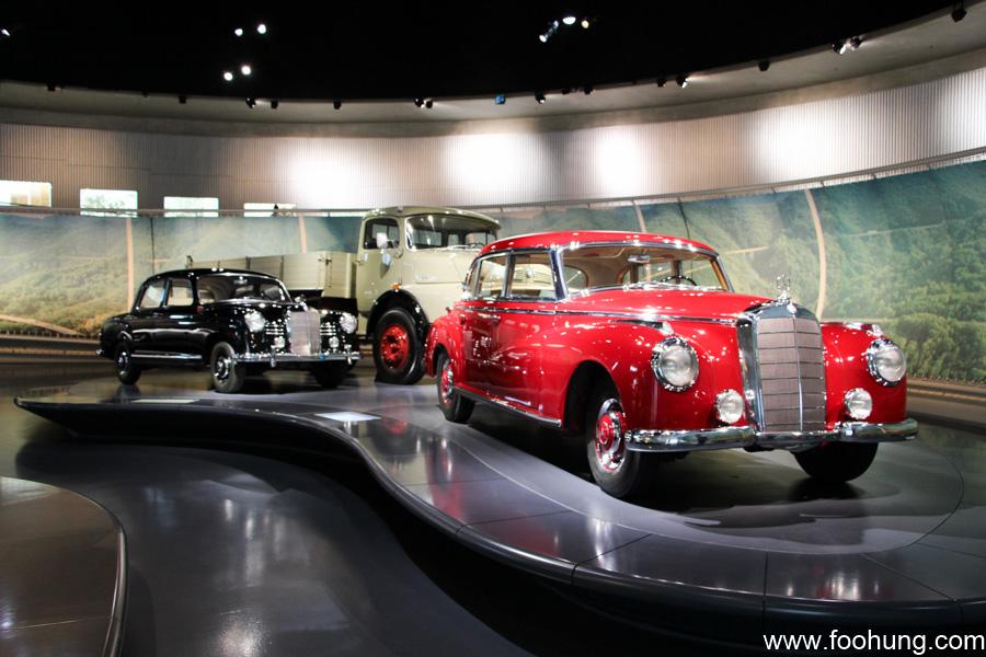Mercedes-Benz Museum Stuttgart 30