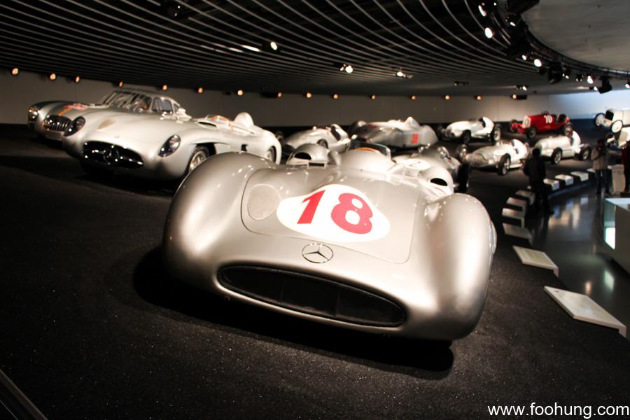 Mercedes-Benz Museum Stuttgart 40