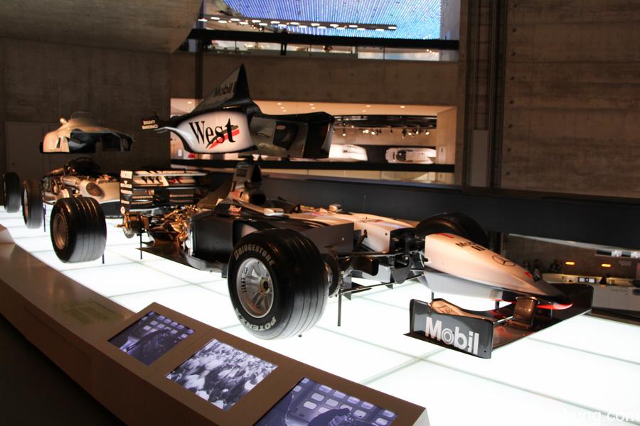 Mercedes-Benz Museum Stuttgart 41