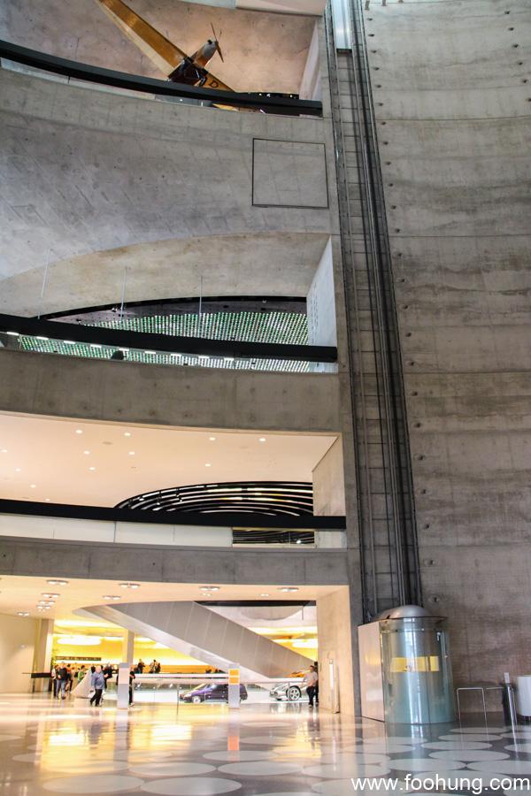 Mercedes-Benz Museum Stuttgart 5