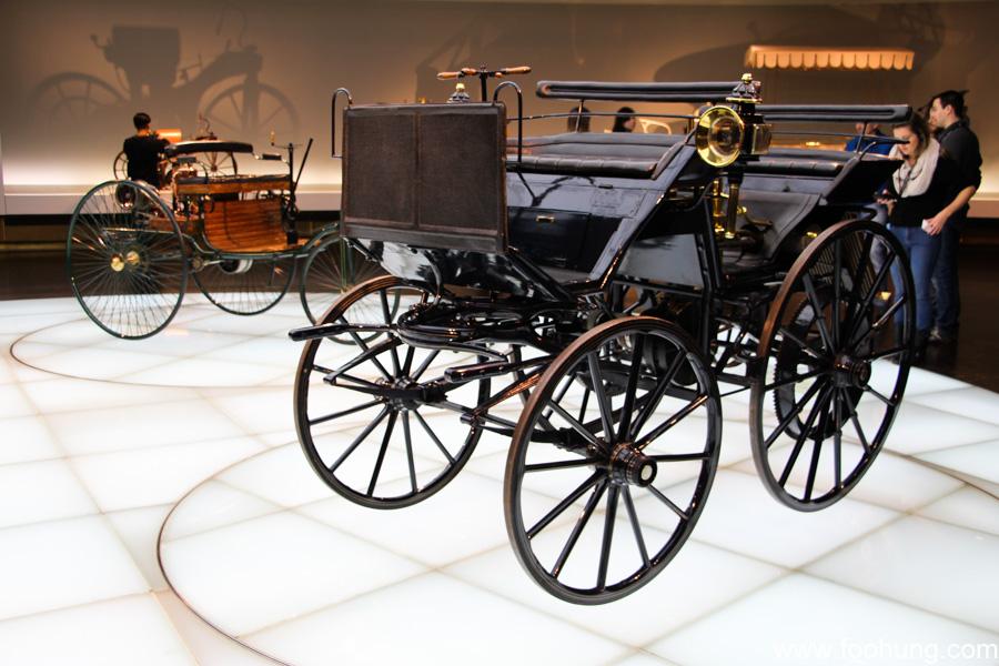 Mercedes-Benz Museum Stuttgart 6