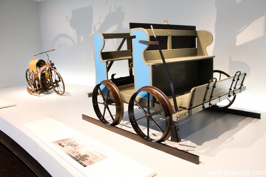 Mercedes-Benz Museum Stuttgart 7