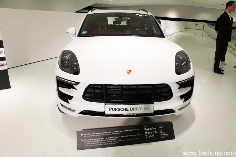 Porsche Museum Stuttgart 32